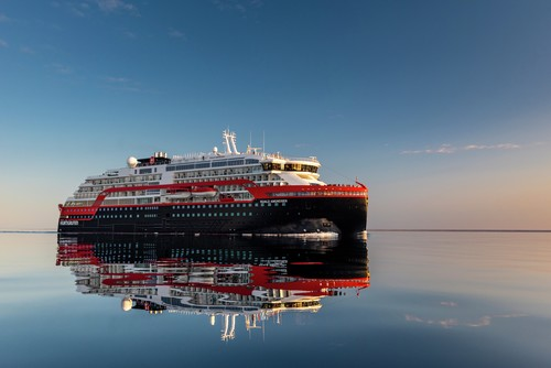 Breaking News – Hurtigruten to sail from the UK in September 2020